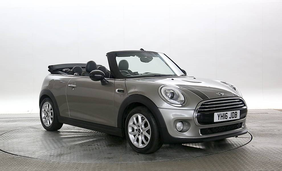 Mini Convertible - Cargiant