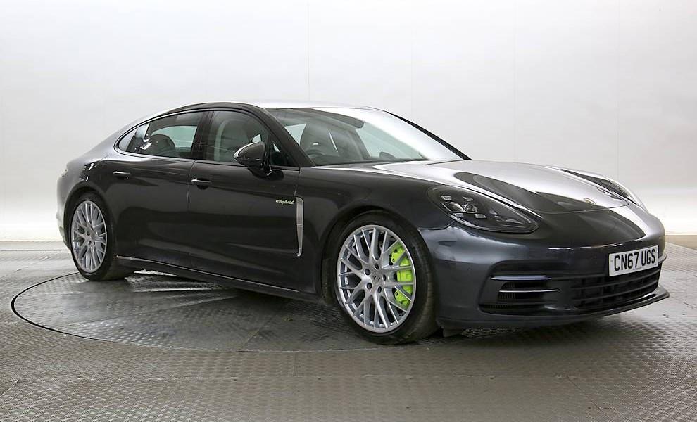 Porsche Panamera - Cargiant